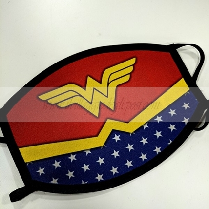 Mascherina lavabile con grafica WONDER WOMAN (Adulti o bimbi)