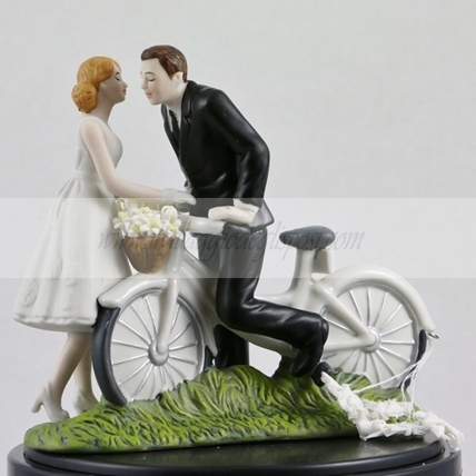 Bacio romantico in bici